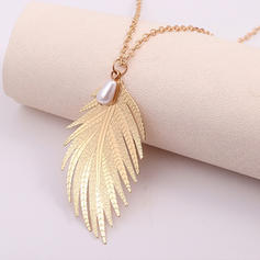 Fashionable Alloy Imitation Pearls Women's Necklaces